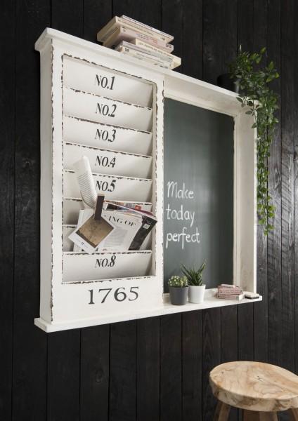 Zeitschriften / Memo-Board mit Kreidetafel